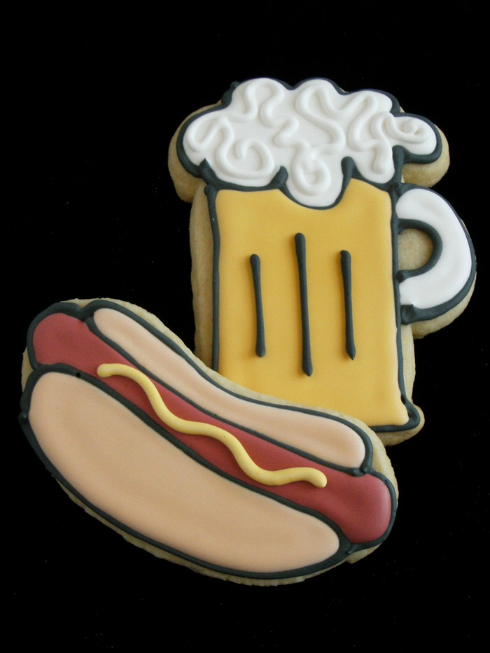 beer and hot dog decorated cookies