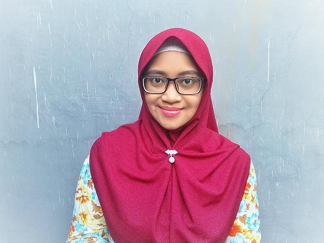 kreasi jilbab instan untuk pipi tembem