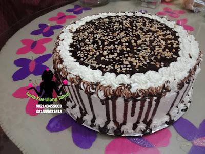 Brownies Kukus Siram Coklat Topping Kacang  Spesial Resep Lavia