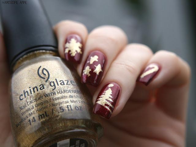 China Glaze - Mingle with Kringle