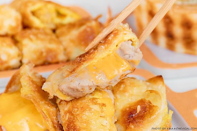 MG 7336 - 熱血採訪│台中人氣炭烤吐司,多達18種口味任你挑!還有18款酥皮蛋餅,連日式炸蝦都被包進來啦!