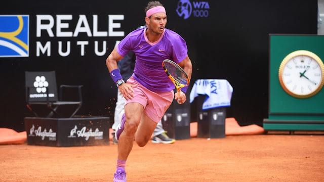 Rafael Nadal ha anunciado este jueves su decisión de no participar ni en el torneo de Wimbledon ni en los Juegos Olímpicos de Tokio para «prevenir cualquier tipo de excesos» en su cuerpo.  Estos excesos podrían impedirle «seguir luchando en el medio y largo plazo por los títulos», ha dicho el jugador español, número tres mundial.  EFE/Unión Radio