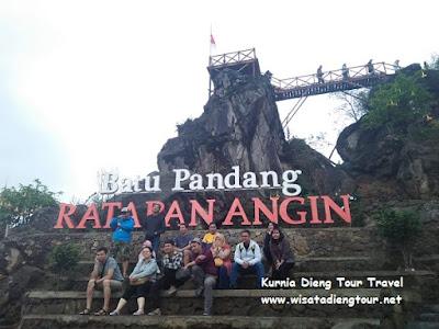 foto wisatawan di dieng