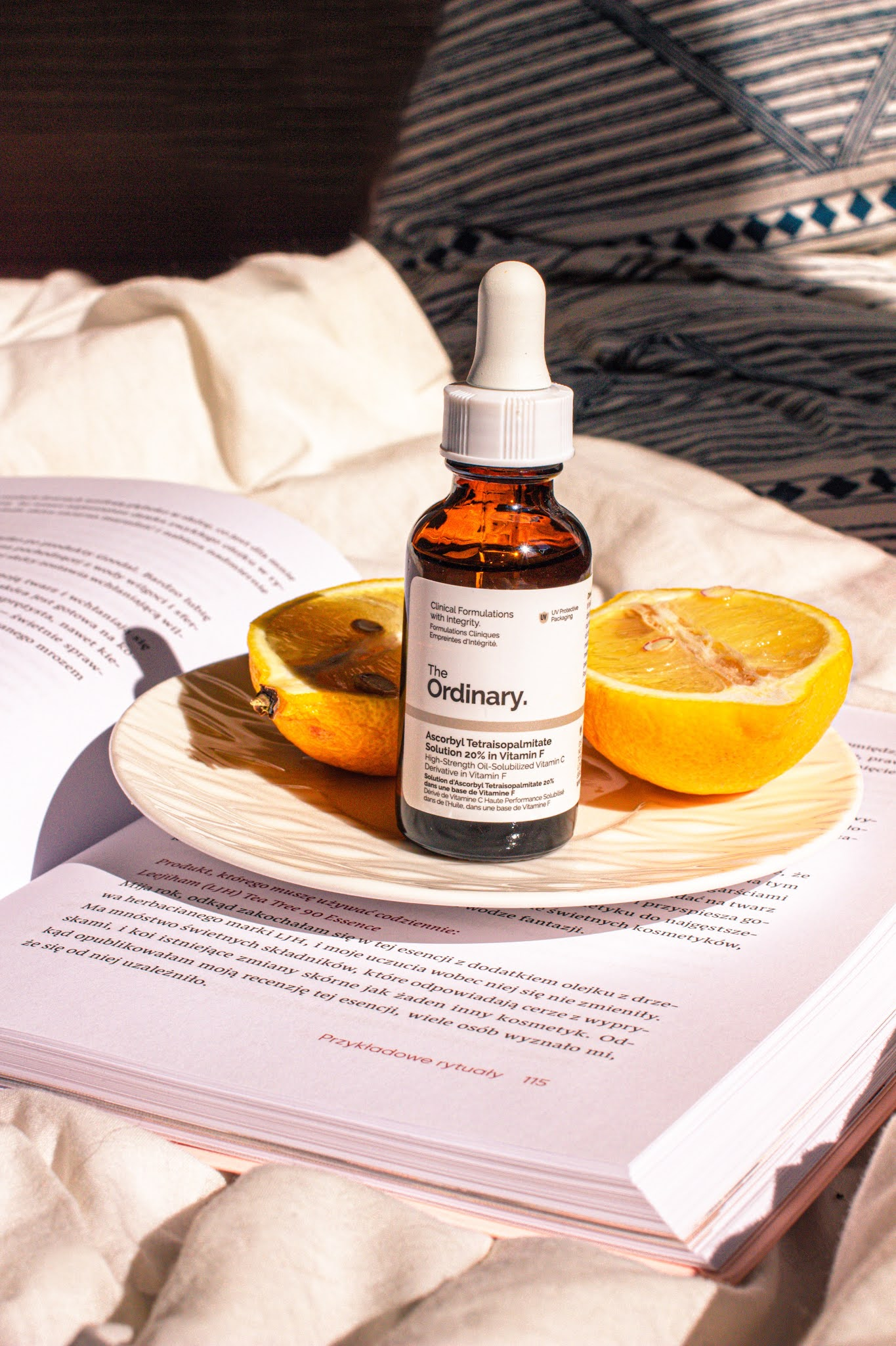 THE ORDINARY - ASCORBYL TETRAISOPALMITATE SOLUTION 20% IN VITAMIN F - SERUM OLEJOWE Z WITAMINĄ C I F