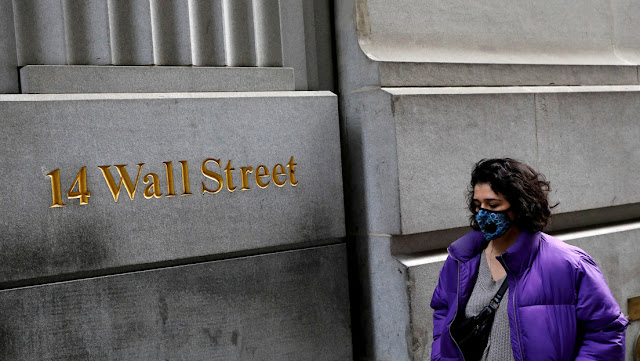 Los índices Dow Jones y Nasdaq cierren con fuertes bajas