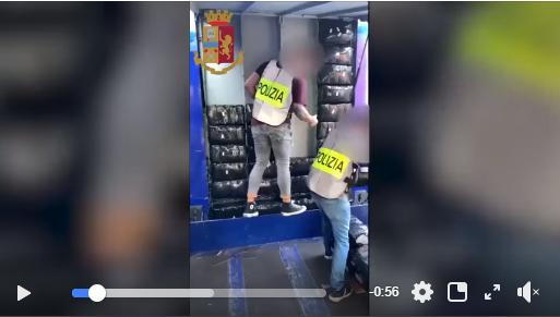 الشرطة الإيطالية تعتقل سائقا إسبانيا بميلانو لضبطه متلبسا ينقل 350 كيلو من الحشيش
