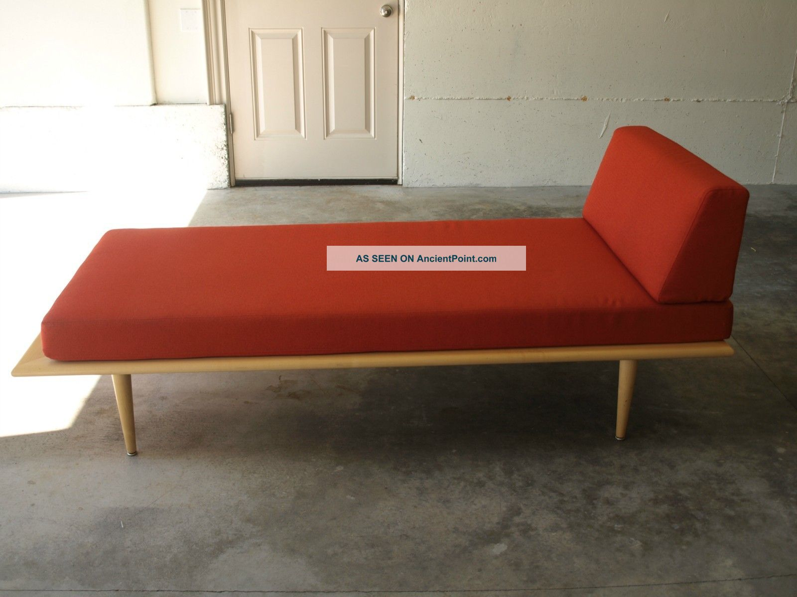 Daybed Chaise In Living Room
