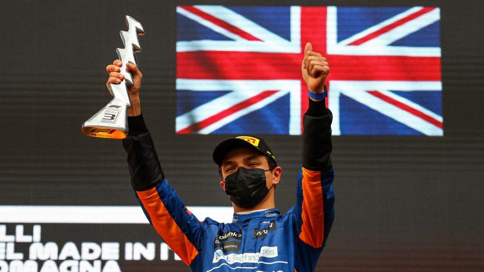 Assim como o jovem famoso britânico Jenson Button subiu ao pódio em 2005, Lando Norris terminou em terceiro em Imola em 2021. Embora a equipe de Button tenha sido posteriormente desqualificada.