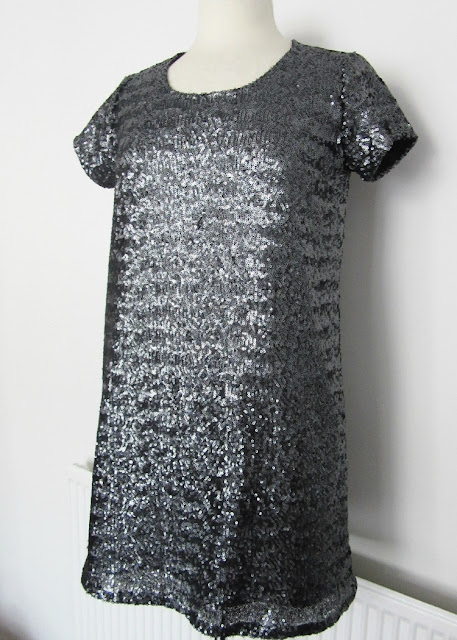 Sequin Grainline Scout Dress via SEWN sewing blog