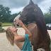 घोड़े के साथ इस कदर रोमांटिक हुई बेला हदीद, अचानक उतारने लगी पैंटी