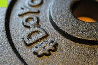 Logo: 1 Kurzhantel Hantelstange + 2 Hantelscheiben aus 100% Gusseisen / Sternverschluss / in 1,25kg 2,5kg 5kg oder 10kg / 30mm Bohrung / Mattschwarz / In unterschiedlichen Varianten