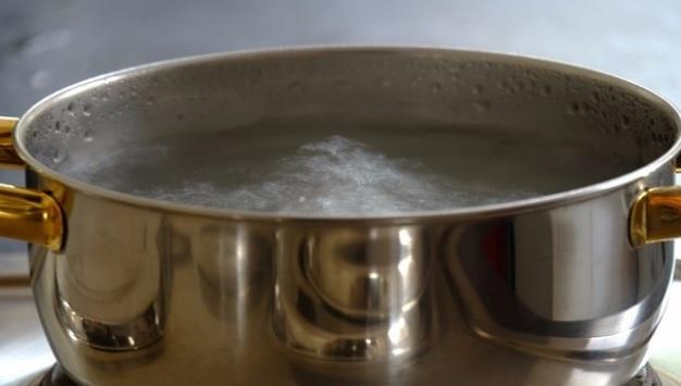 rreziku në shëndet kur ziejmë sërish ujin