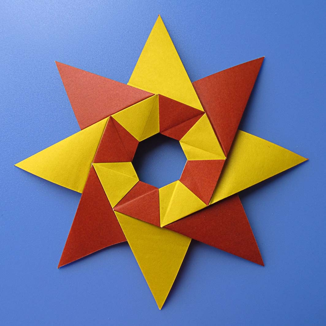 origami: Stella Natale – Christmas star by Francesco Guarnieri