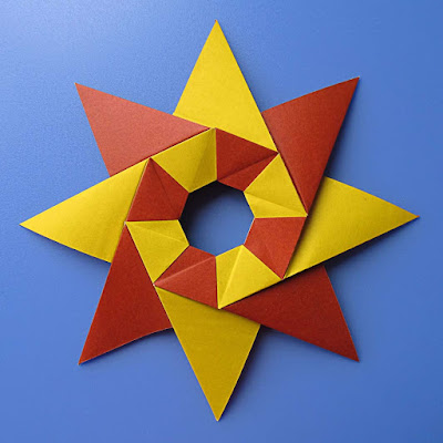 origami: Stella Natale – Christmas star  © by Francesco Guarnieri