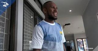 Batal Direkrut Persib, Okto Maniani Minta Kompensasi Agar Bisa Pulang ke Papua