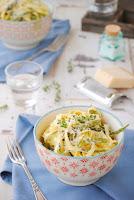 Spaguettis con espárragos verdes y mascarpone