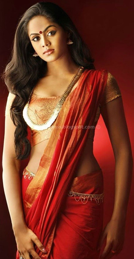 Actress karthika hot saree pics