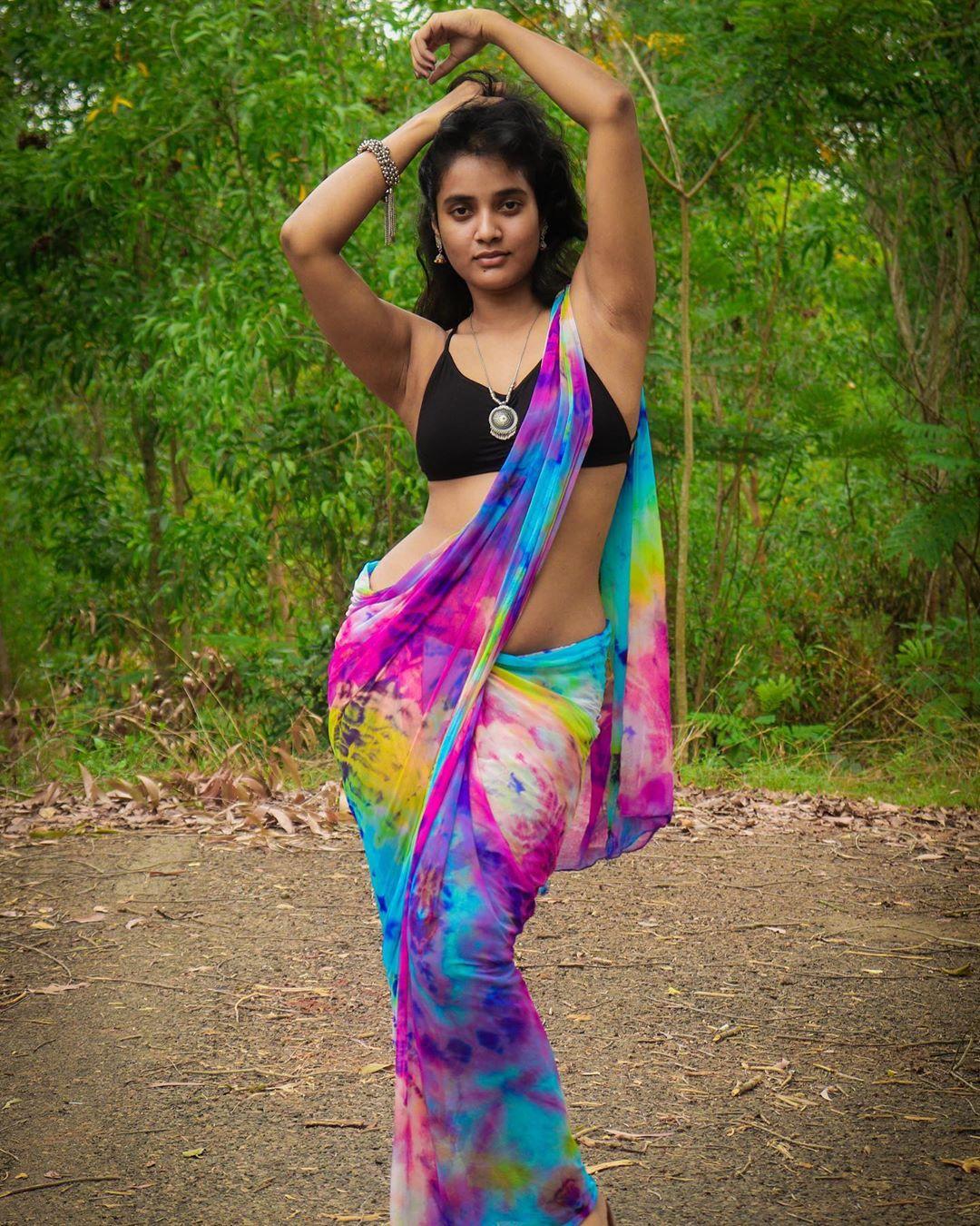 Actress+Soumya+Shetty+Hot+HD+Saree+Photo
