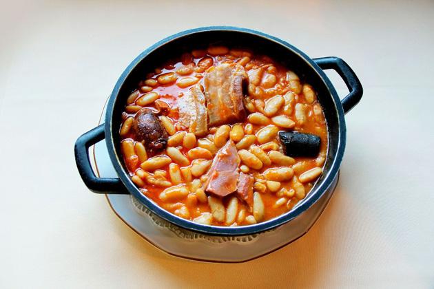 Sitios para comer fabada en Madrid y Asturias