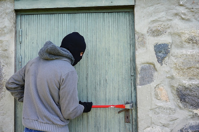 Things You MUST Do If You Do Not Want To Be Robbed This Festive Period (MUST READ)
