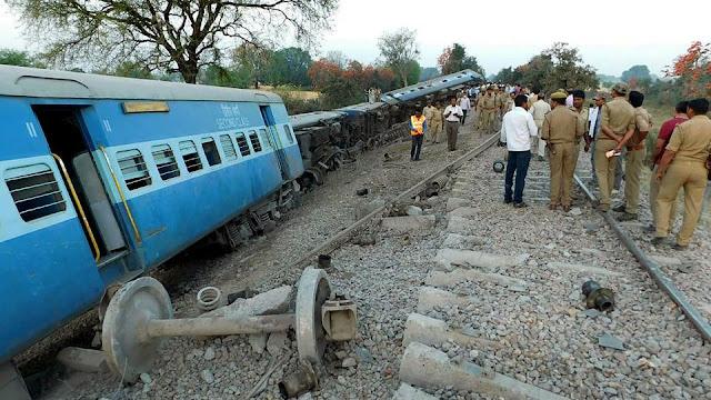Jabalpur-Nizamuddin Mahakaushal Express derails