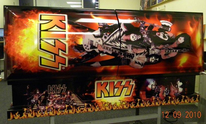 Kiss Coffin 92