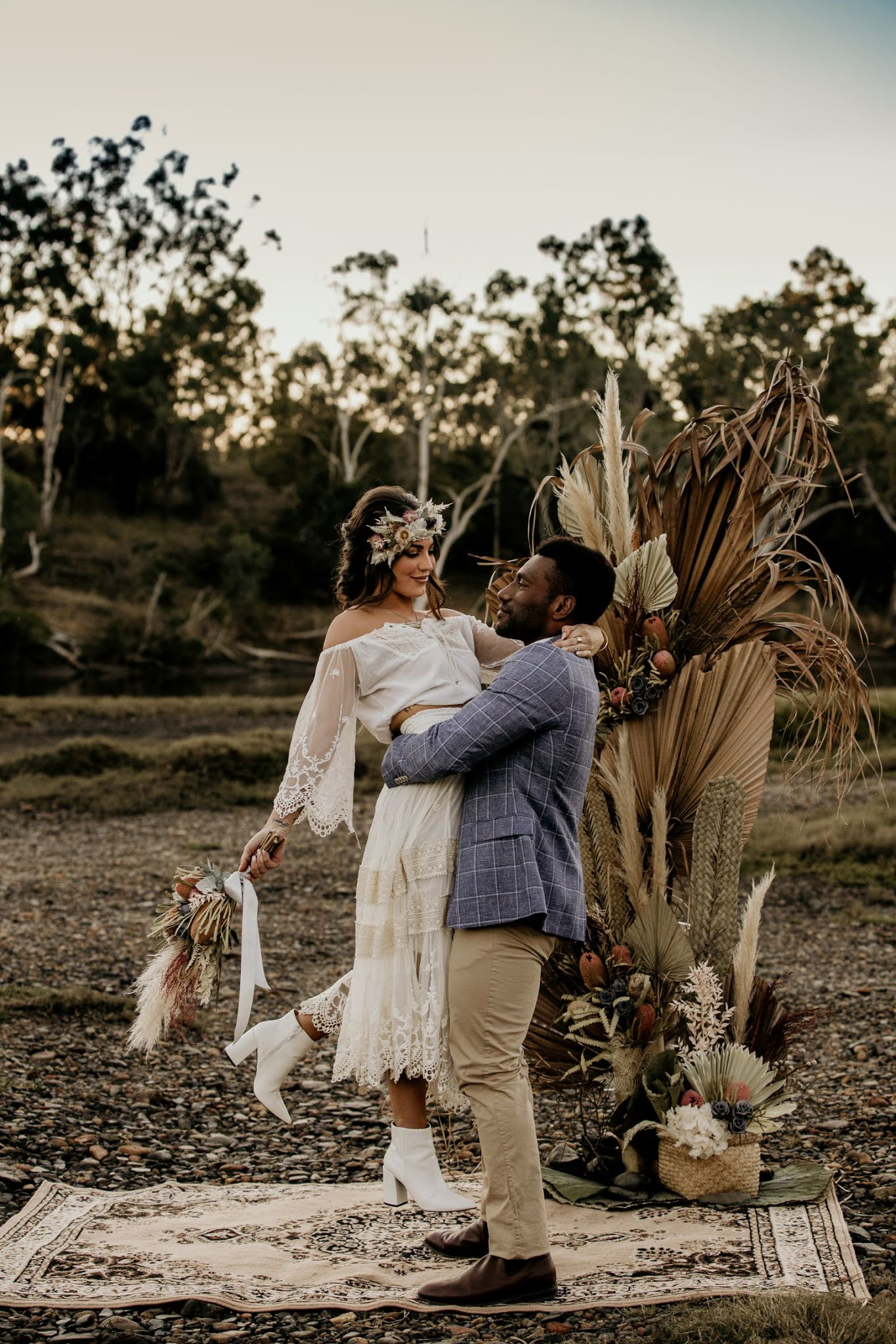 STYLED SHOOT: WHERE THE WILD HEARTS ARE | BRIDAL EDIT TANNUM SANDS QLD