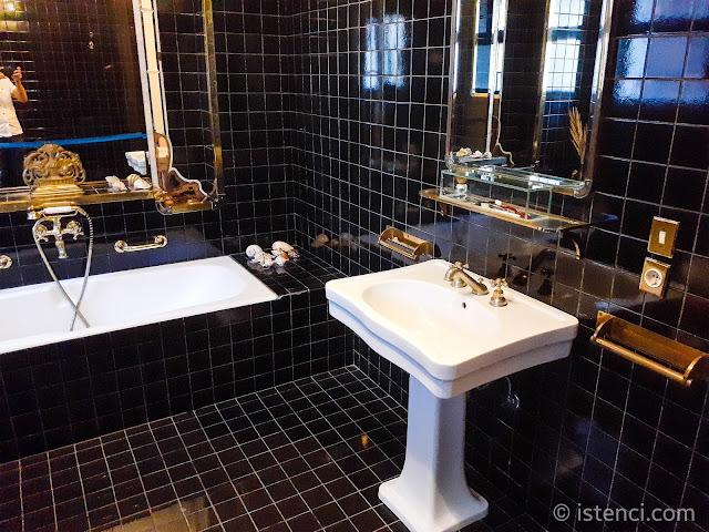 Barış Manço 81300 Müzesi; Evin banyosu ve lavabosu...