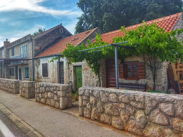 domy w Chorwacji, piękne kadry z Chorwacji, wakacje