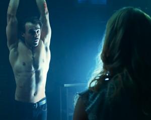 Ben O'Toole con torso desnudo