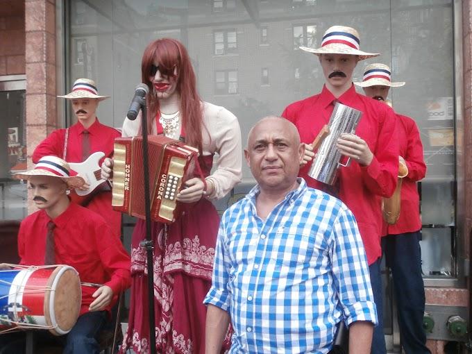 Los maniquíes de populares artistas dominicanos de Piro Espinal causan sensación en Nueva York