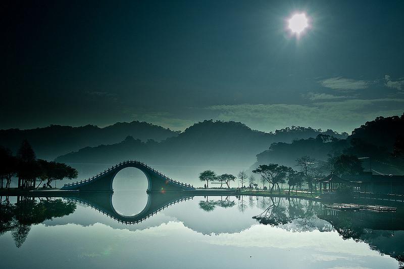moon bridge taipei