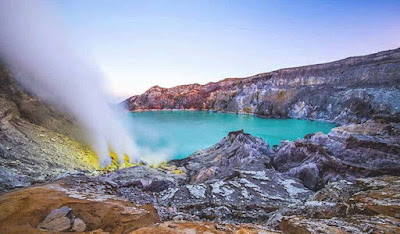Mt bromo Midnight Ijen Crater Tour Package 2 Days