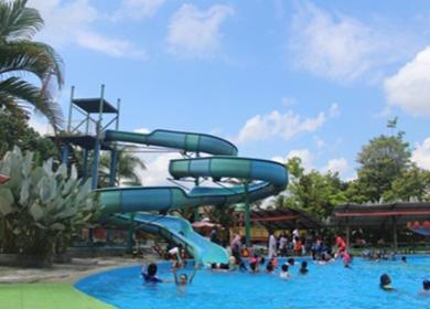 Swimming Day Pararel Kelas IV SDK Kalam Kudus Timika di Waterboom SP 3