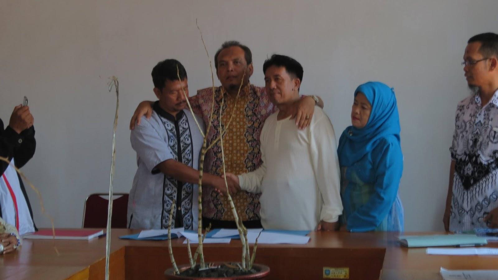 Berkah Ramadhan, Akhirnya Perseteruan Guru dan Orang Tua di Subang Berakhir Damai
