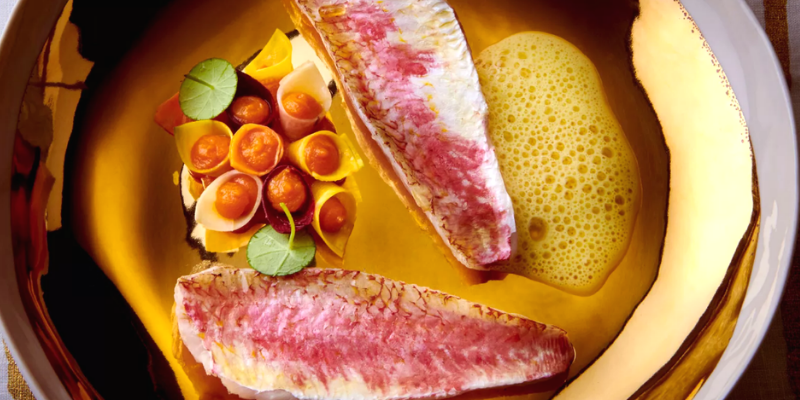 Red mullet with Lemon Sauce and Mashed Carrots