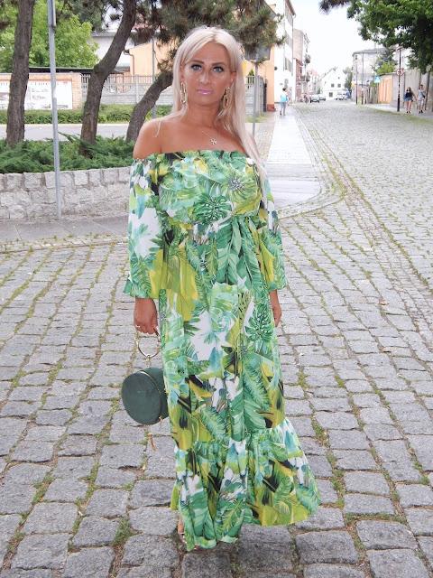 Sukienka maxi w palmowe liscie