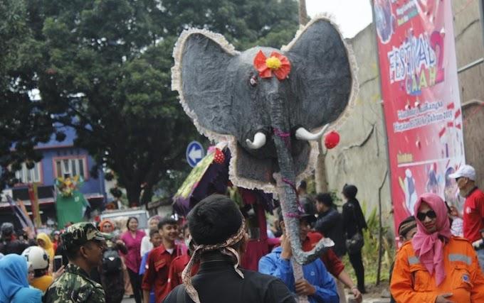 Meriahnya  Festival Gajah di Kelurahan Leuwigajah Cimahi
