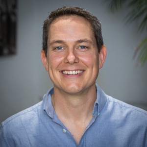 Автор курсу Наука повсякденного мислення професор Університету Квінсленда Джейсон Танген