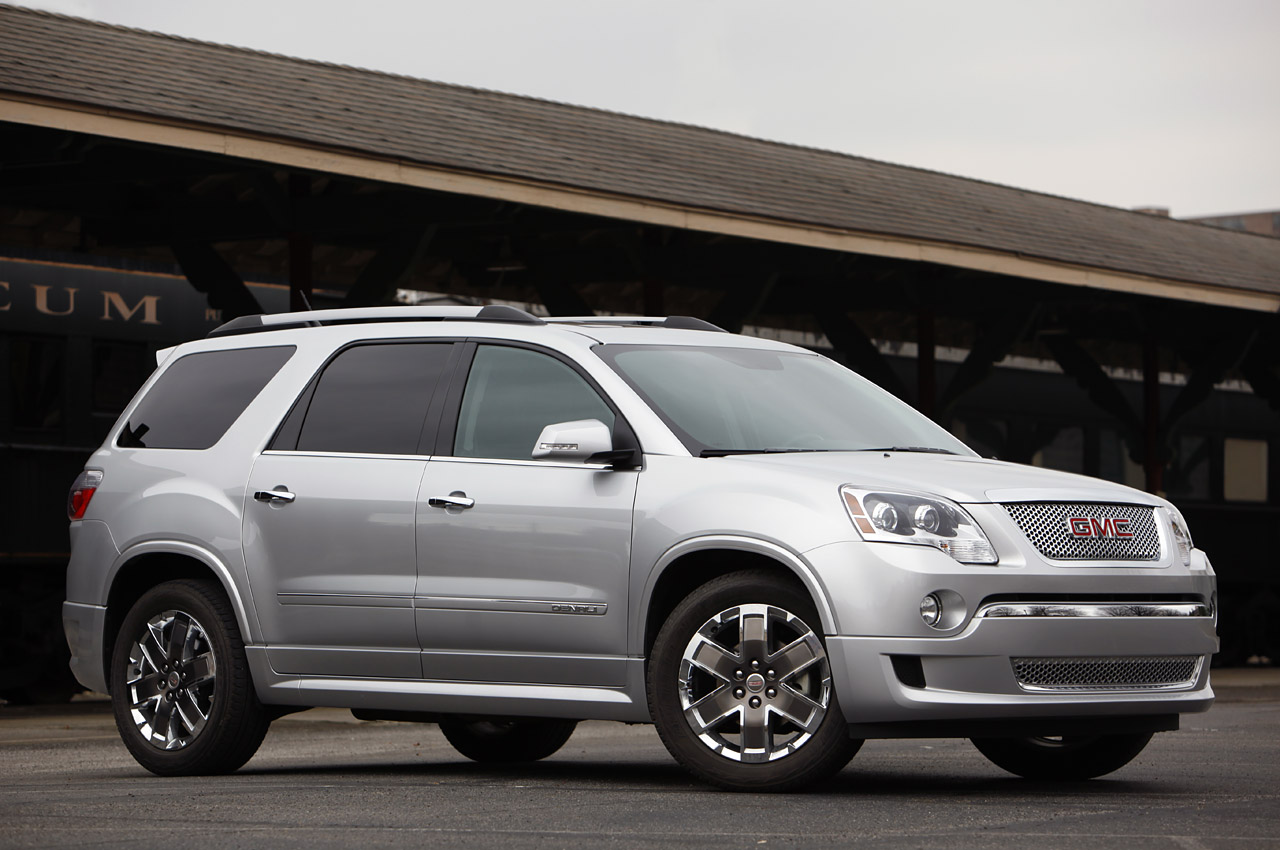 general motors has announced a recall of certain 2011 and 2012 buick enclave chevrolet traverse and gmc acadia models for wipers that may fail under heavy  [ 1280 x 850 Pixel ]