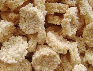 resep rengginang dari nasi,resep rengginang enak,resep rengginang udang,resep rengginang manis,resep rengginang keju,singkong,resep sedap udang rengginang goreng,