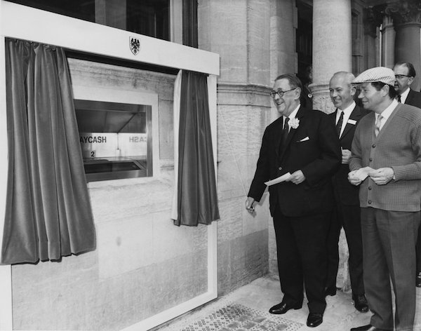 Worlds's First ATM Turned Gold To Mark 50TH Anniversary (PHOTOS)
