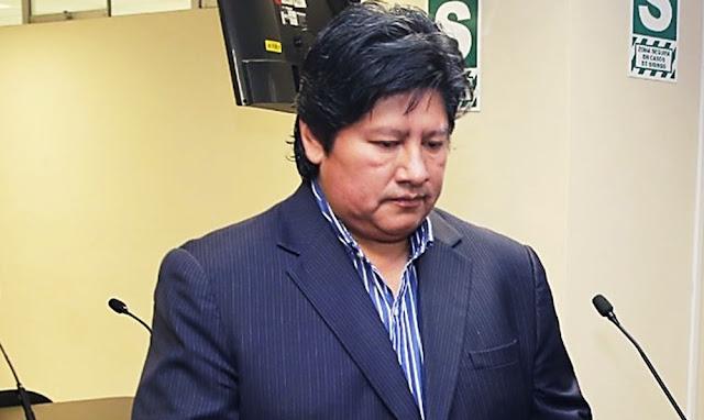 El expresidente de la FPF, fue conducido esta mañana al hospital Dos de Mayo, en La Victoria, antes de ser llevado a Chiclayo, Lambayeque, para cumplir la orden de prisión preventiva por 18 meses por caso Los Wachiturros de Tumán.