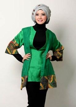 Trend Model Baju Atasan Batik Kombinasi Polos Desain Terbaru