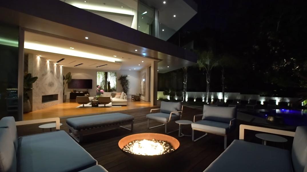 63 Interior Design Photos vs. 1895 Rising Glen Rd, Los Angeles, CA Ultra Luxury Modern Mansion Tour
