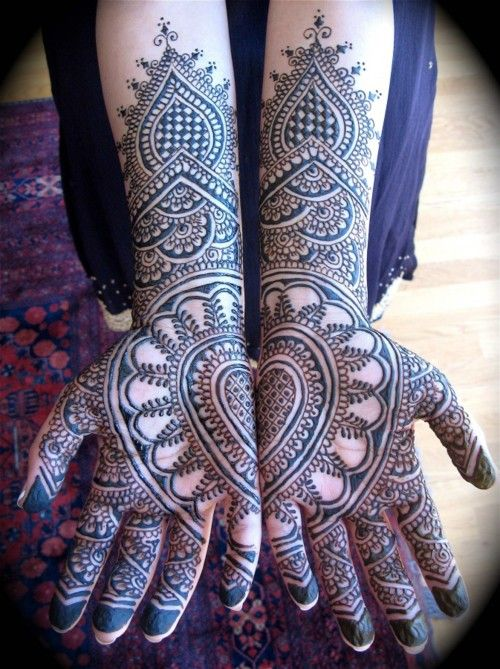 Symetrical Designs 10 gorgeous symmetrical half and half mehndi designs | bling sparkle