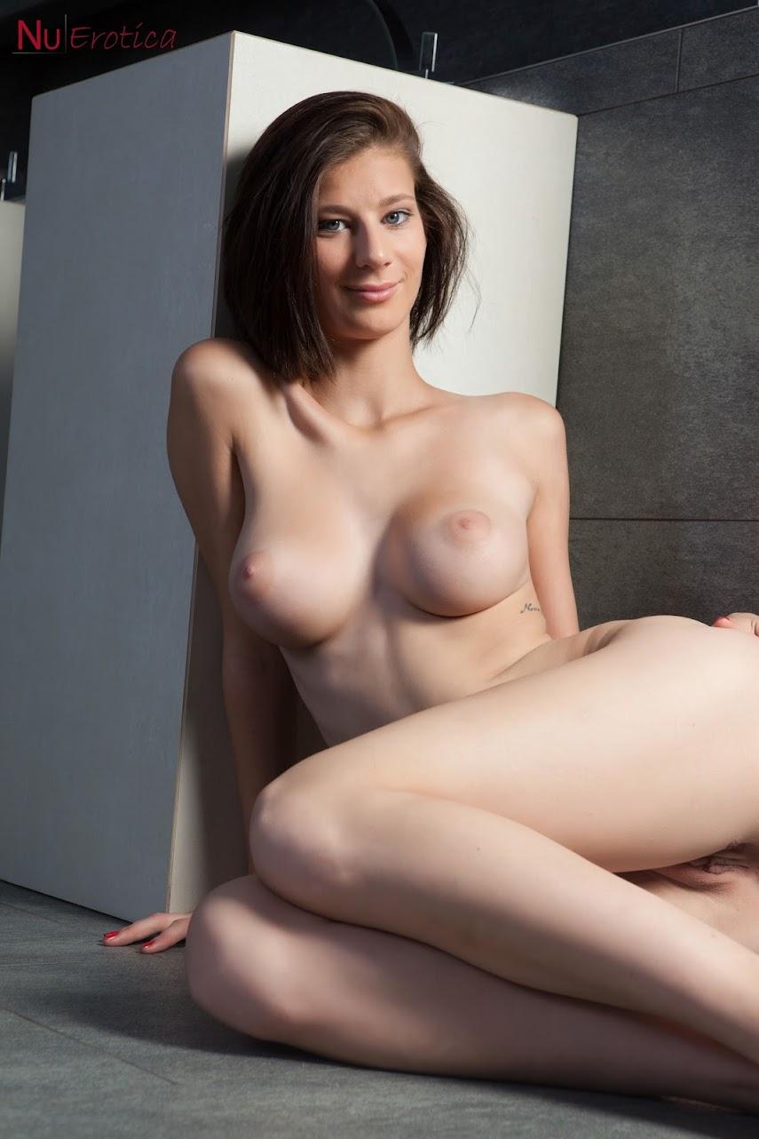 [NuErotica] Mimi - Sexy In White 1490541257_055_0