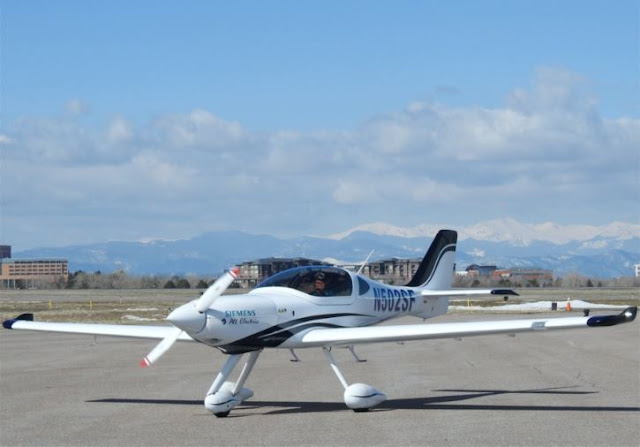 Bye Aerospace eFlyer 2 specs
