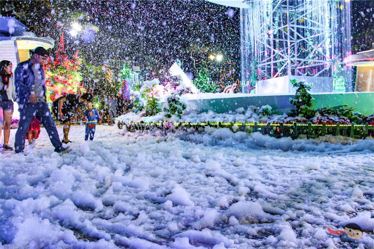 Experience snow in Christmas Village, Baguio City