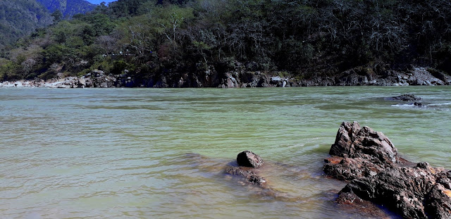 Rishikesh, explore the holidays in Rishikesh at Ganga Beach.